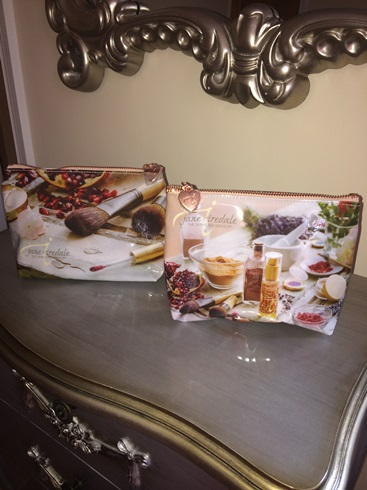 Jane Iredale Cosmetic Bag Offer - Beauty Clinic